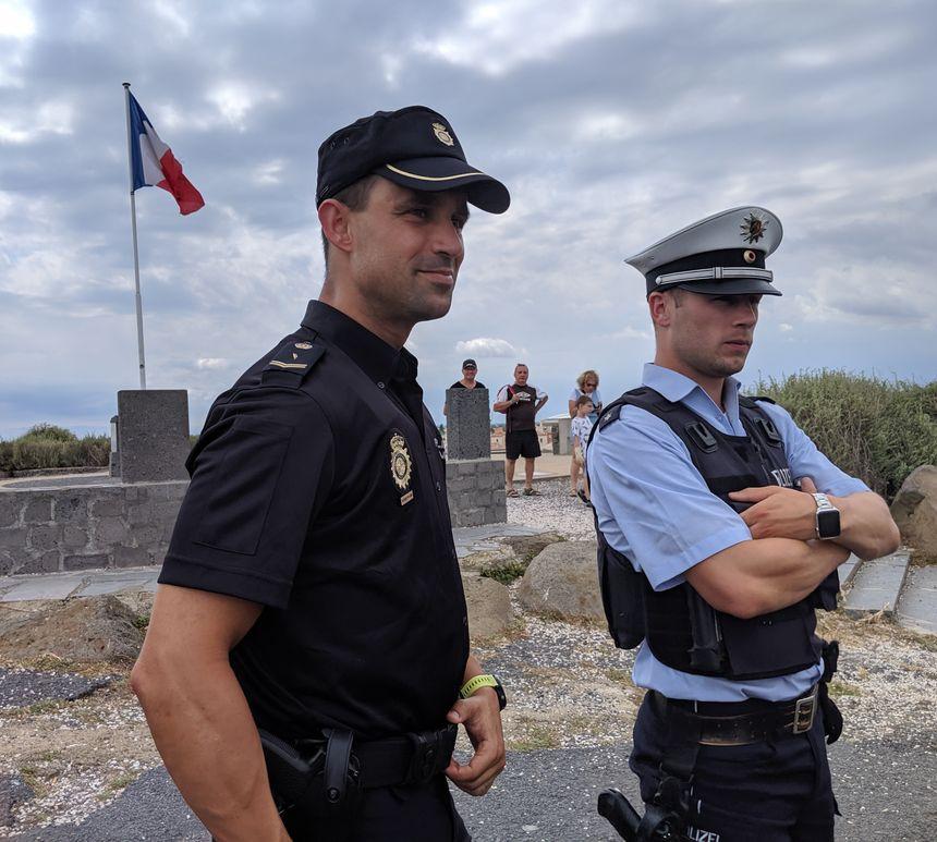 rencontre avec des homme policier