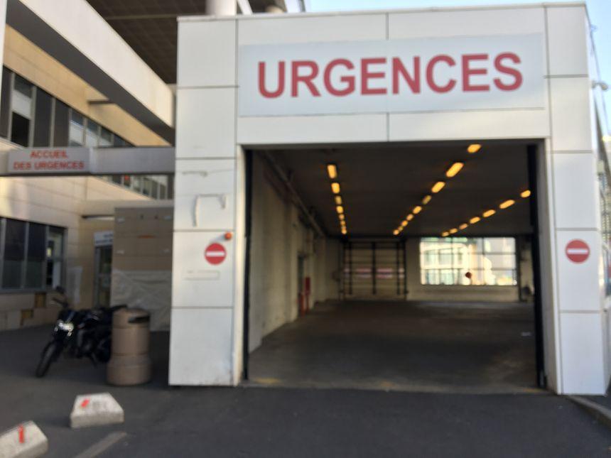 Les urgences du CHU de Clermont-Ferrand en grève depuis le 3 juillet.