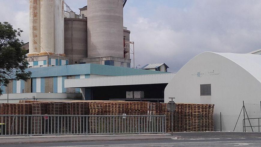 L'usine Novacarb, qui fabrique du bicarbonate de soude à Laneuveville-devant-Nancy, doit limiter ses émissions dans l'air.