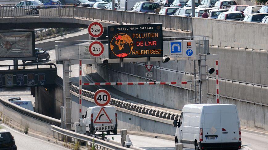 """L'alerte """"niveau 2"""" activée dans les Bouches-du-Rhône pour la pollution à l'ozone, ce jeudi."""