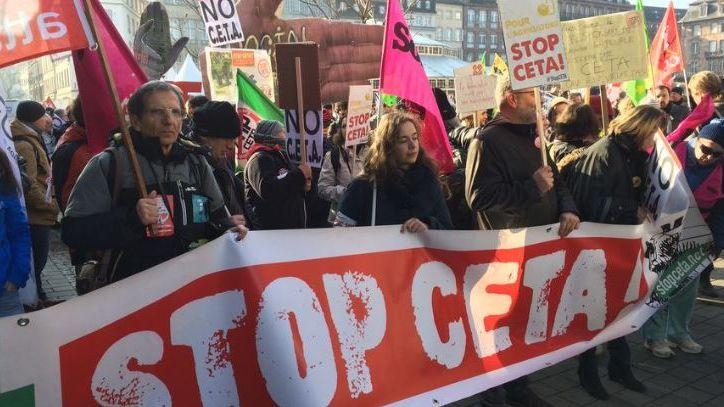 Manifestation d'opposants au CETA à Strasbourg.