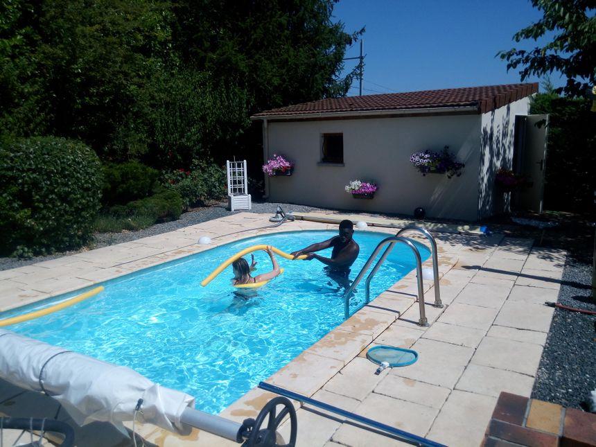 Moyennant une somme plus ou moins importante, il est possible d'utiliser la piscine d'un particulier.