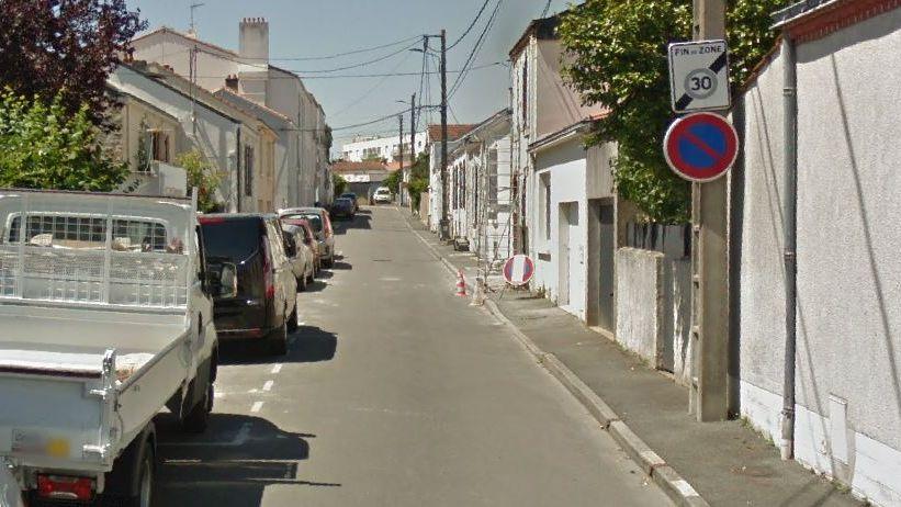 La plupart des véhicules vandalisés l'ont été rue du Maroc, à La Roche-sur-Yon.