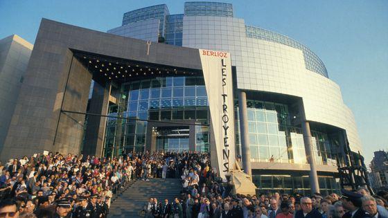 Ouverture de l'Opéra Bastille le 17 mars 1990 à Paris, France.