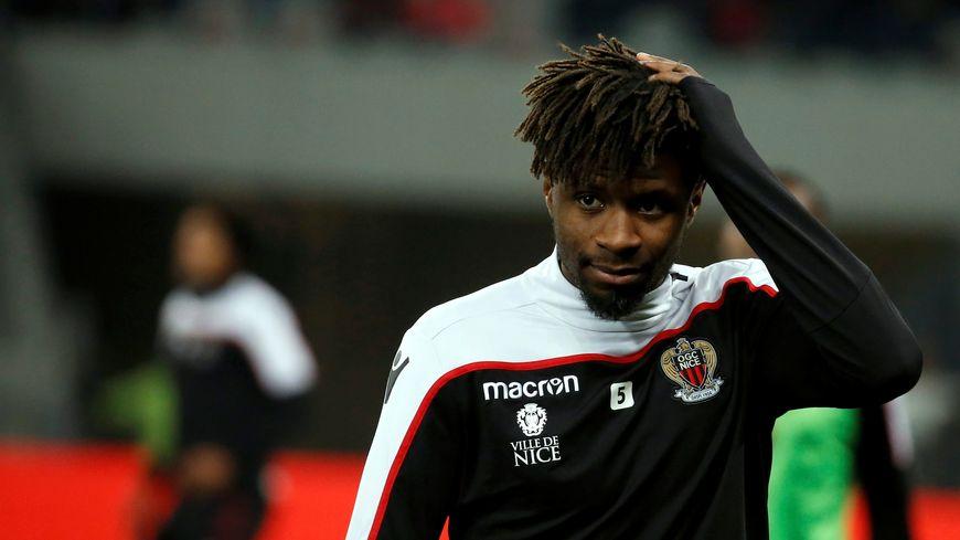 Le milieu de terrain Adrien Tameze était titulaire face à Cardiff
