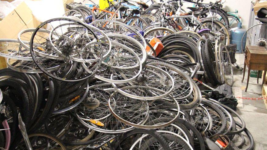 Suspicion De Trafic De Vélos Volés à Strasbourg La Police