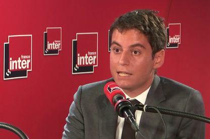 Gabriel Attal dans les studios de France Inter le 12 juillet 2019
