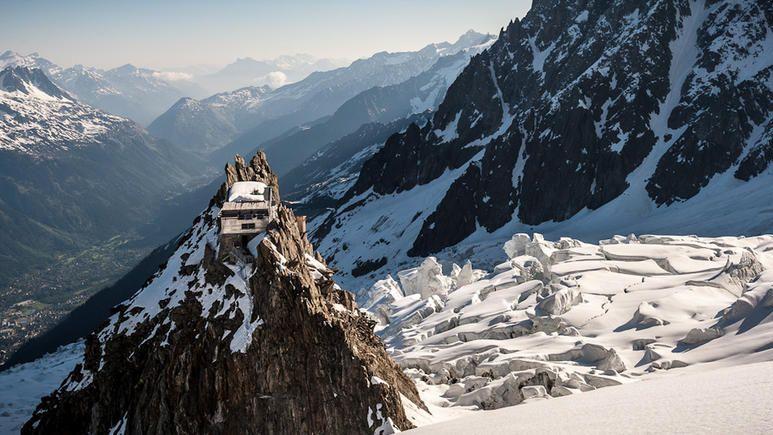 Le refuge des Grands Mulets dans le massif du Mont-Blanc