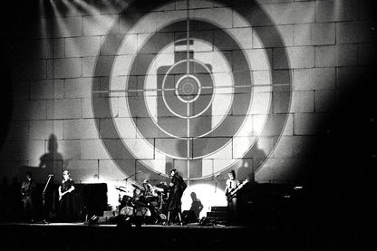 """La chanson en trois parties """"Another Brick in The Wall"""" figure sur l'album 'The Wall' de Pink Floyd, paru en 1979"""
