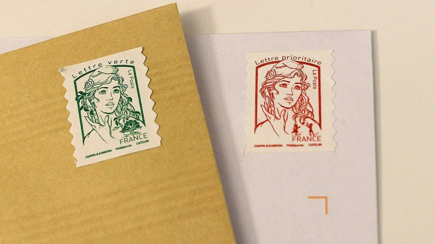 Les tarifs des timbres verts et rouges augmentent d'environ 10%.