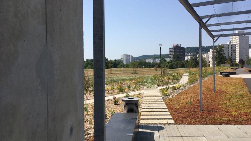 Sous les pelouses du parc Richard Pouille, le nouveau réservoir d'eau.