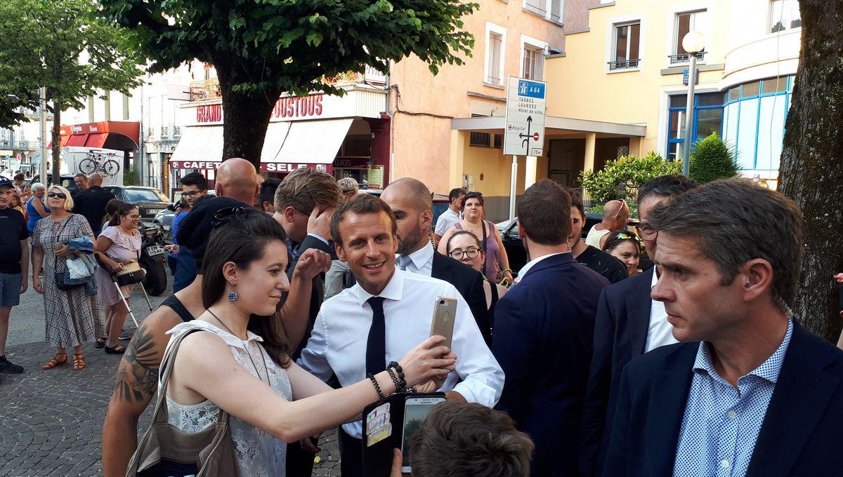 Emmanuel Macron parle retraite à Bagnères de Bigorre