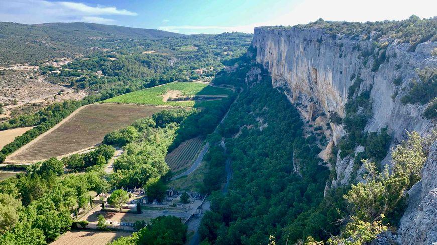 La falaise de la Madeleine à Lioux