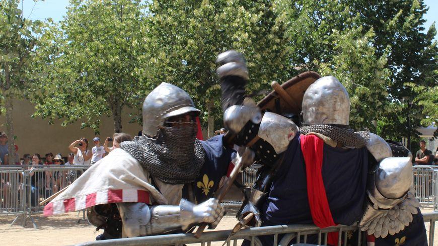 Le béhourd est un sport de combat médiéval, où l'on se porte des coups puissants