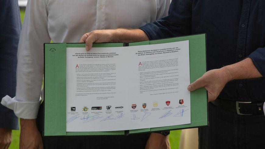 Le FC Nantes est la seule équipe à ne pas avoir signé la charte des derbys bretons.