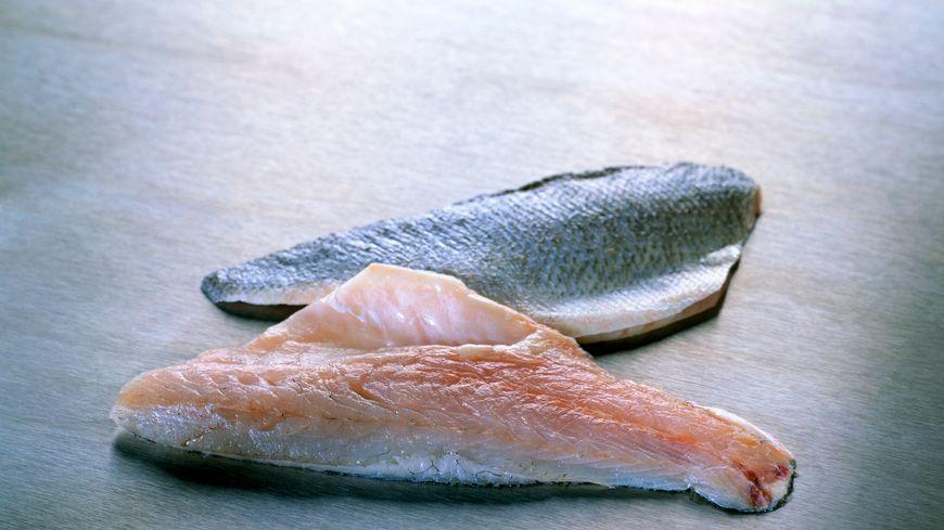 Ici, des filets de bar du Japon ou sea bass.
