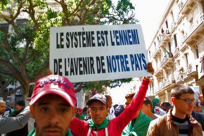 Algérie : Pancartes, banderoles …