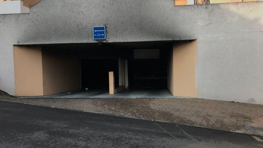 L'incendie a commencé dans le parking souterrain de la rue Batelière à Mont-de-Marsan