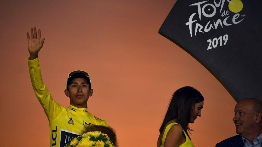 Egan Bernal est le premier Colombien à remporter le Tour de France à seulement 22 ans