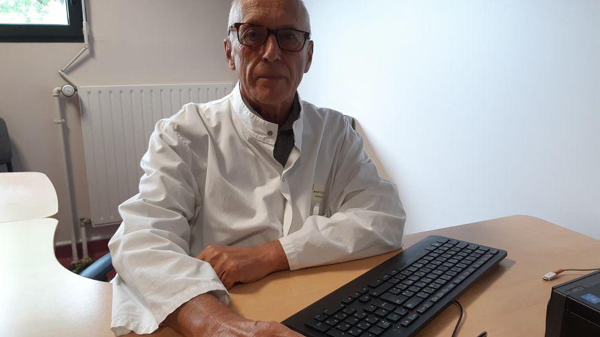 Le professeur Yves Martinet, président du comité national contre le tabagisme