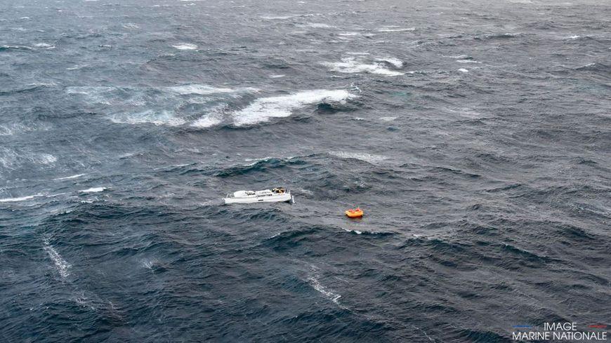 La mer était bien formée quand le voilier a chaviré