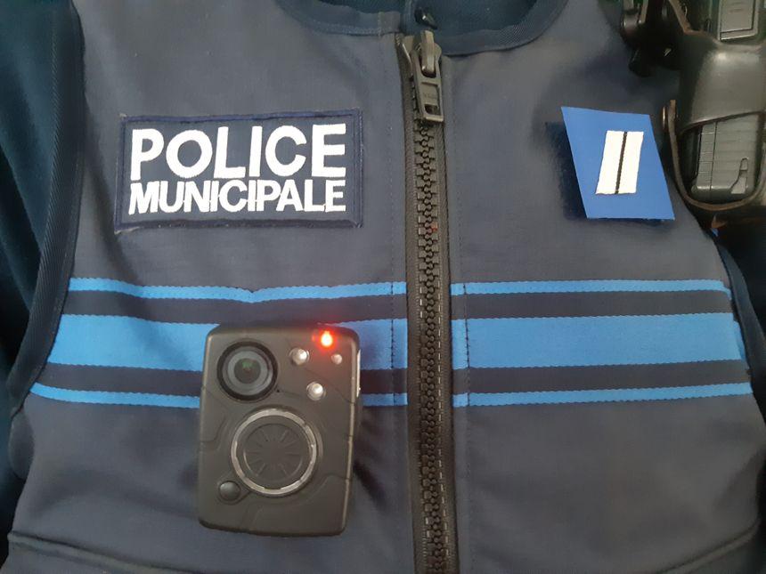 Les policiers municipaux seront désormais équipés de caméras piétons