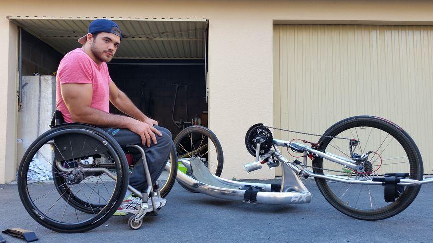 Mathieu Bosredon était à l'entraînement sur son handbike, un vélo propulsé à la force des bras, au moment où il a été renversé
