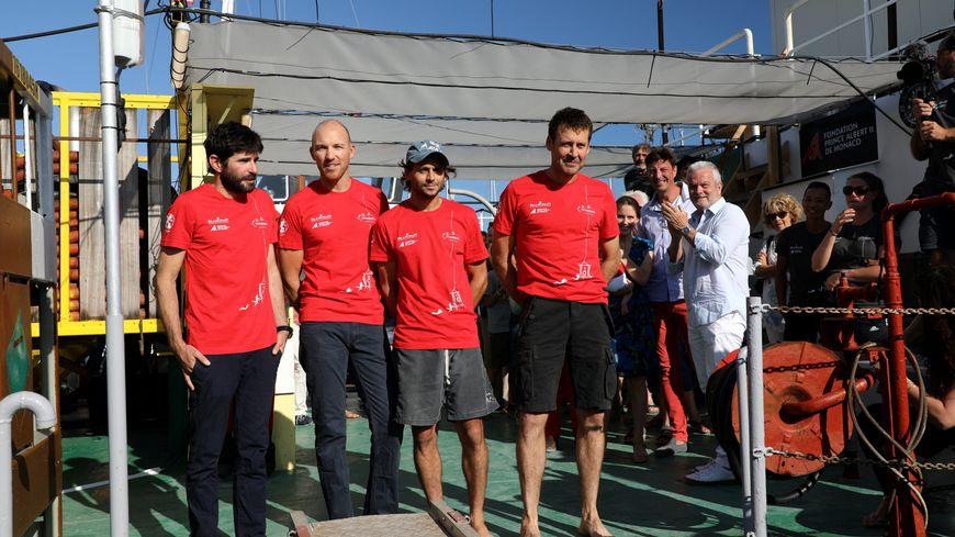 """Les quatre membres de l'expédition """"Planète Méditerranée"""" ont passé 28 jours dans un caisson pressurisé"""