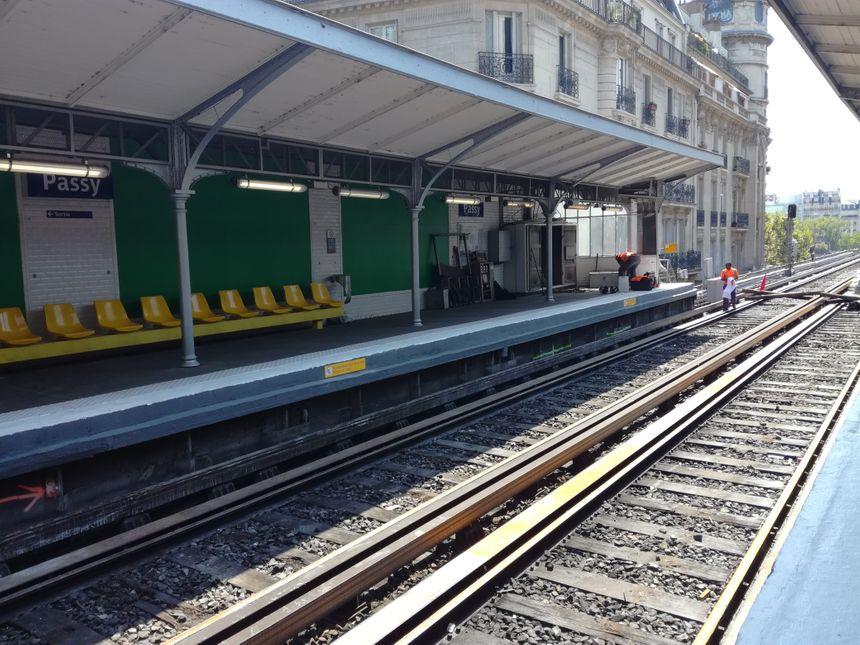 La station Passy sera rénovée l'été prochain (2020) car elle fait partie de la troisième phase de travaux.