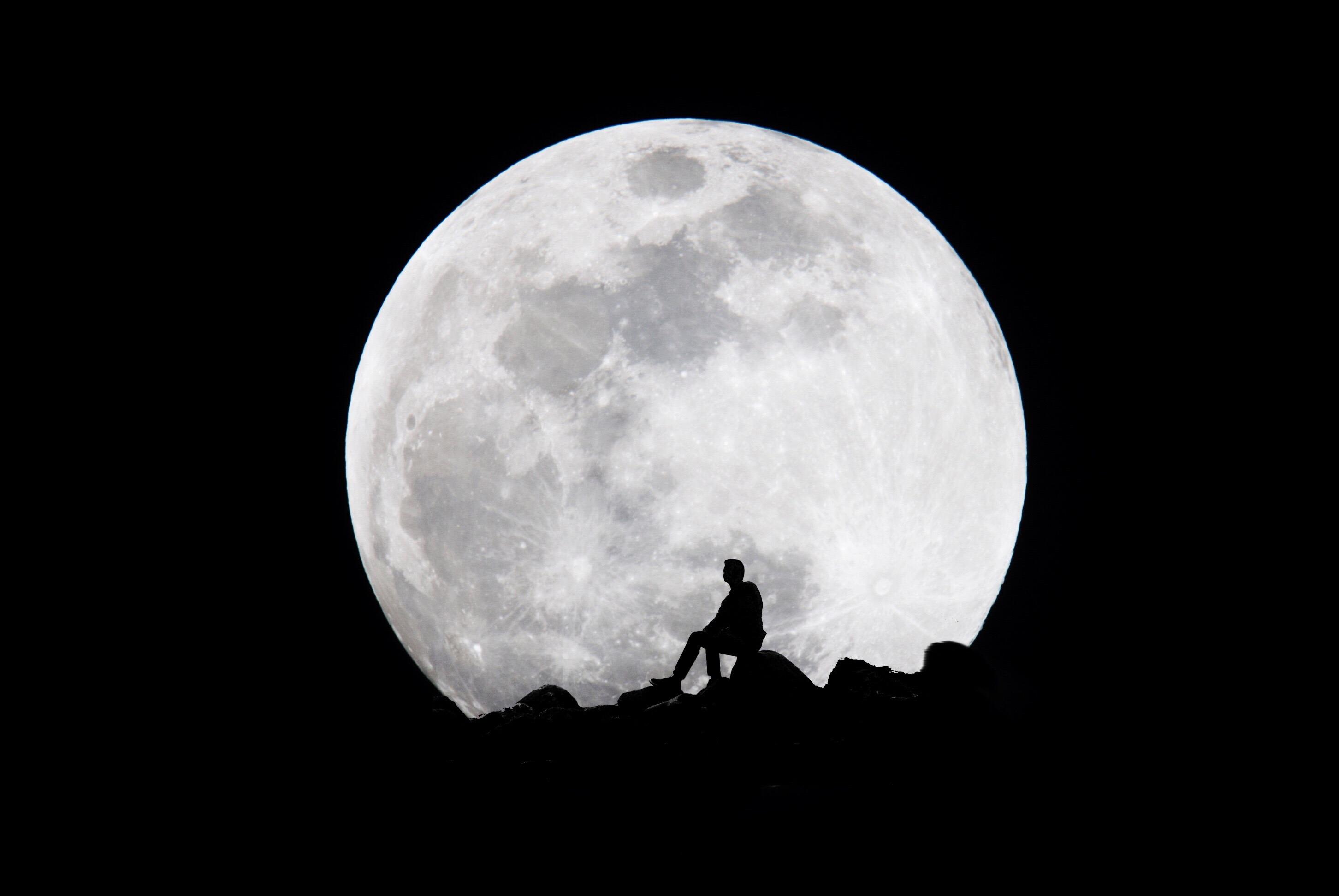 Du Mythe A La Science La Lune Et L Homme