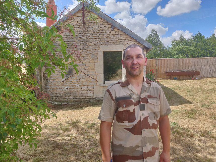 David Boutron organise des stages de survie en forêt