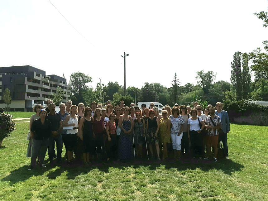 Une partie de l'équipe du conservatoire du Pays de Montbéliard sur le site des Blancheries