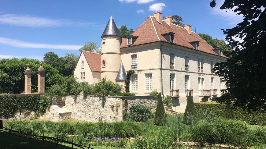 Le château de Pesselières