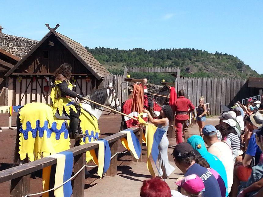 Spectacle équestre au château de Murol