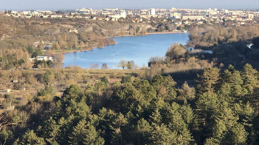 Le lac Kir, lac artificiel à l'entrée de Dijon. /Photo d'illustration.