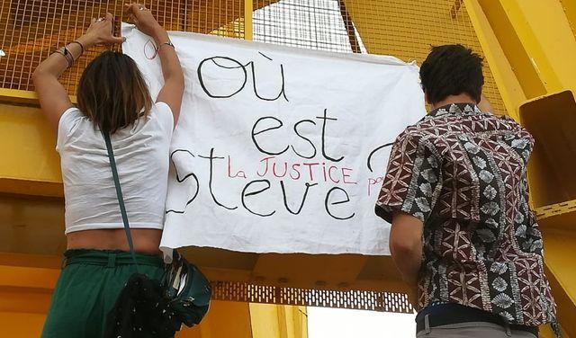 A Nantes, le rassemblement à la mémoire de Steve a réuni plusieurs centaines de personnes.