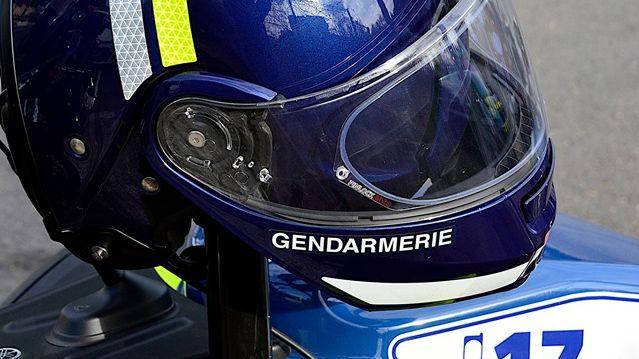 Le gendarme dormait lorsqu'il a entendu une explosion puis vu des flammes