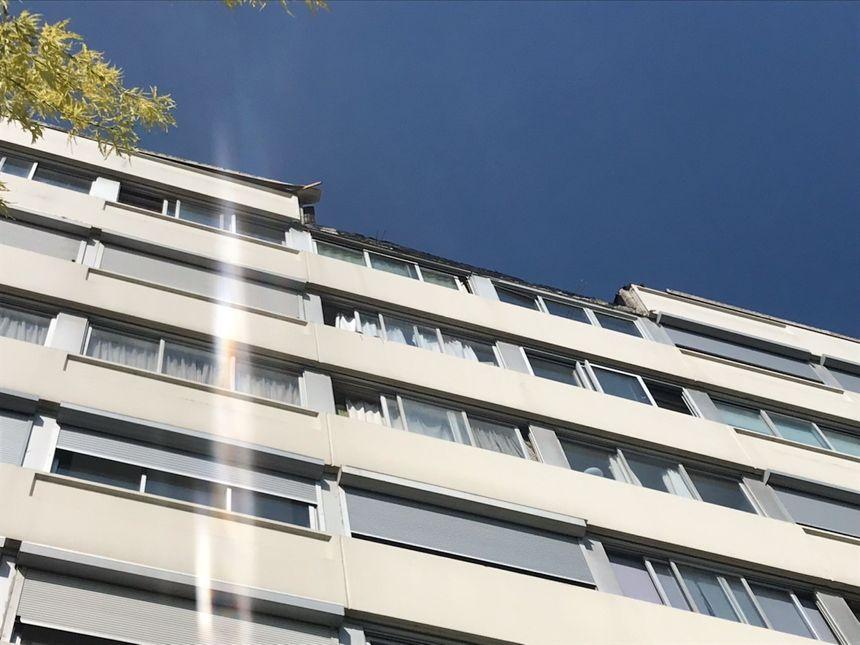 Le bloc de béton s'est détaché d'un immeuble rue du Grand Vidame