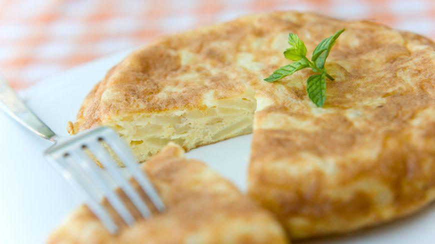 La recette du tortilla facile. Das Rezept der einfachen Tortilla