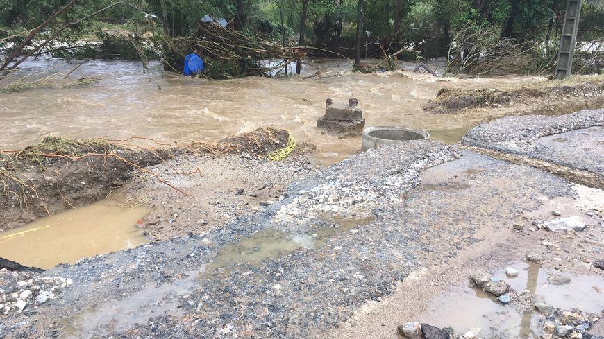 Les inondations d'octobre 2018 ont charrié des eaux chargées de métaux lourds, issus de l'ancienne mine de Saligne.