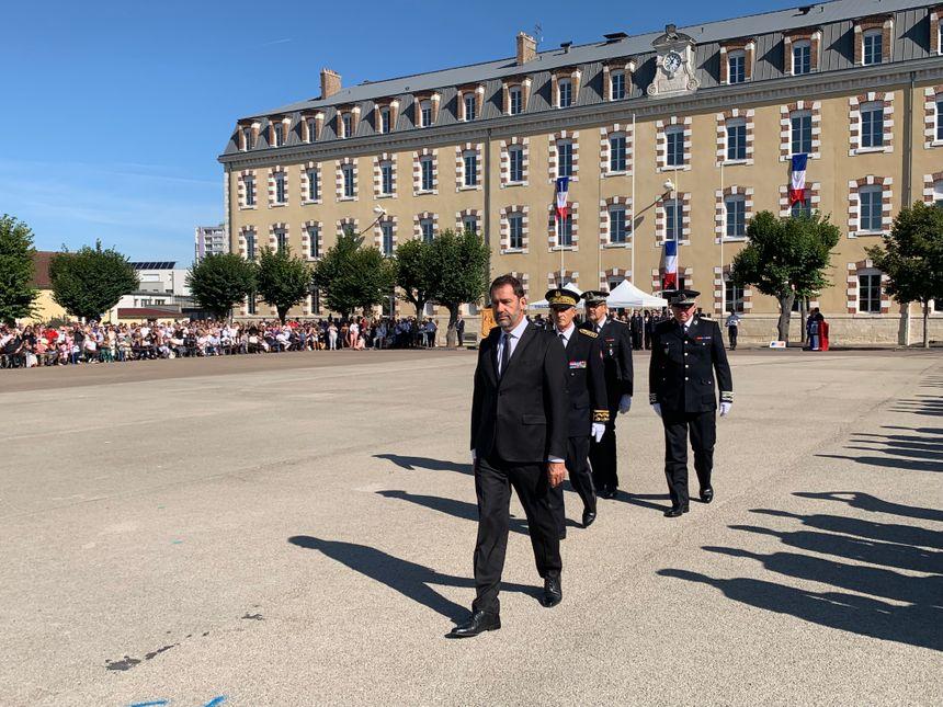 Le ministre de l'Intérieur, Christophe Castaner a salué les jeunes gardiens de la paix.