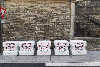 Désertés par les touristes, protégés par plus de 13 000 policiers et gendarmes, Biarritz s'est transformée en camp retranché pour accueillir ce week-end le sommet du G7