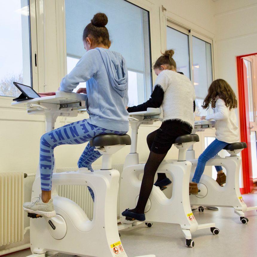 Le bureau-vélo peut favoriser la concentration pendant la classe