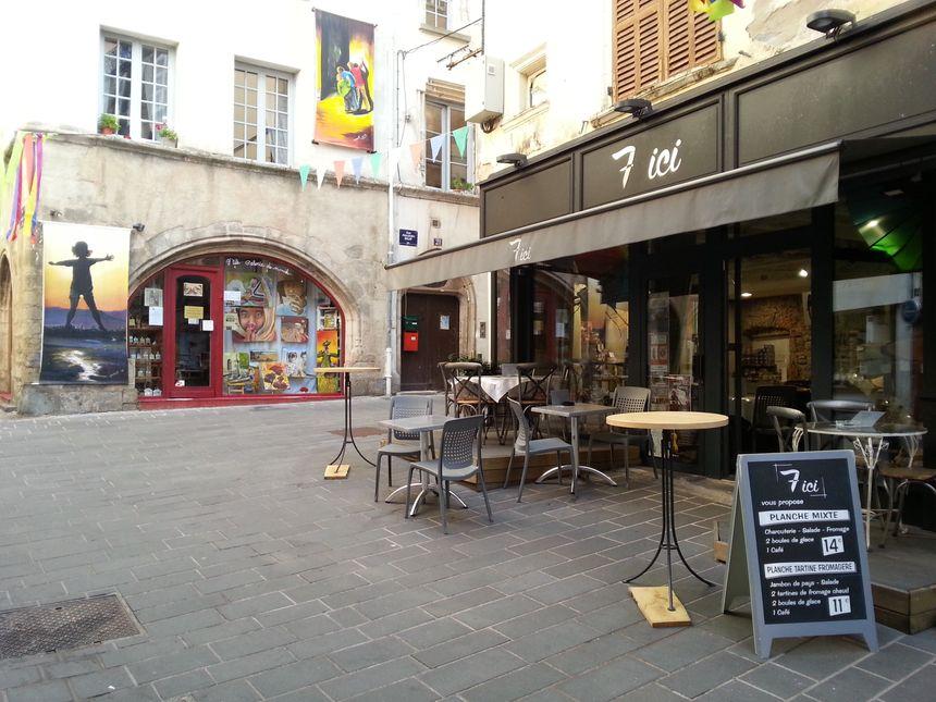 Restaurant, épicerie 7 ici à Thiers