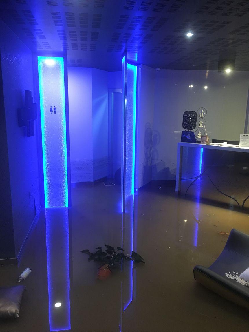 La réception de l'hôtel l'Escale sous les eaux
