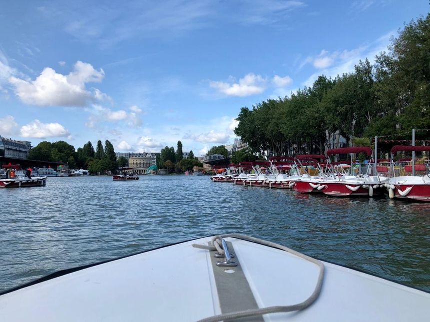 Marin d'eau douce, au Bassin de la Villette