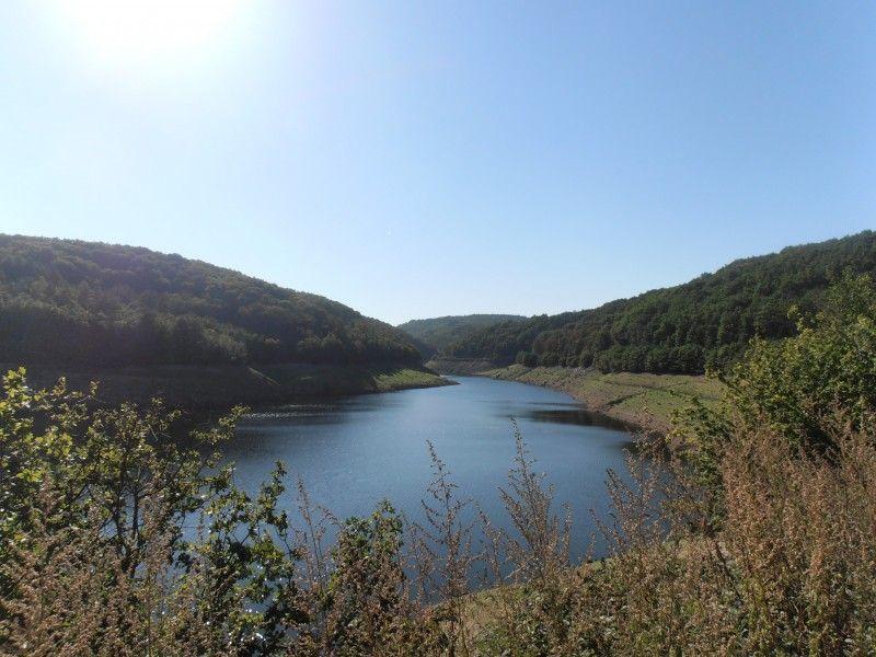 Le barrage de la Sep lorsqu'il est normalement rempli.