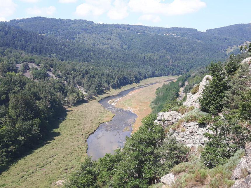 L'ancienne retenue est redevenue une rivière
