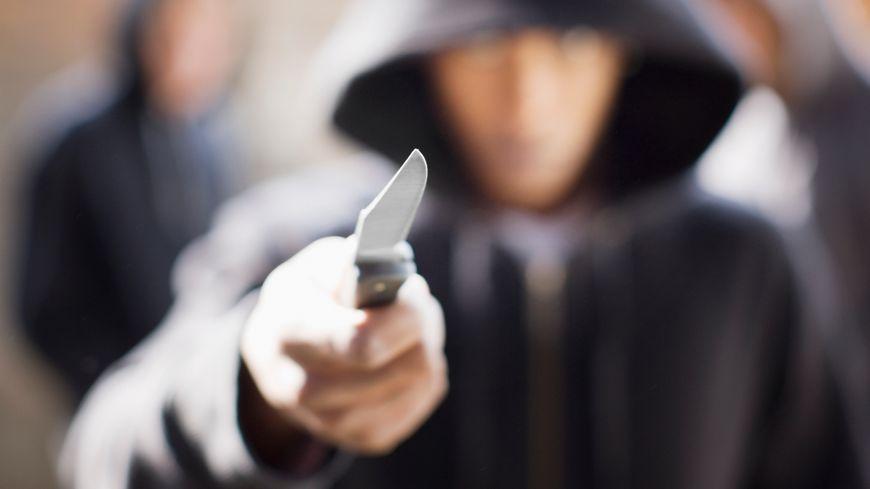 L'agresseur a utilisé un petit couteau, un opinel