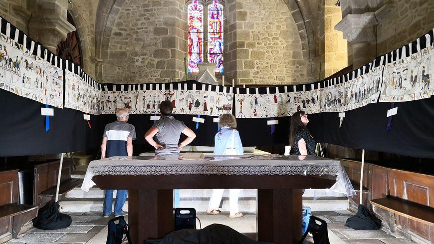 La tapisserie de Crozant était exposée à l'église Saint-Etienne, à l'occasion de la fête médiévale de la commune